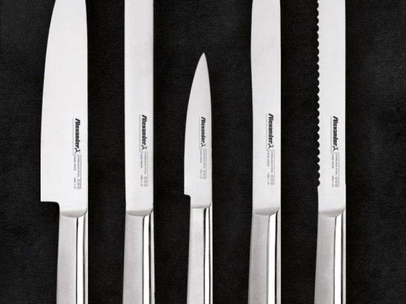 https://www.alexandercoltelli.it/set-coltelli-monoblocco-acciaio-futura