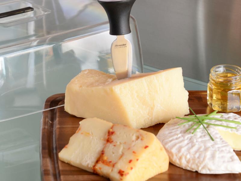 https://www.alexandercoltelli.it/campana-tagliere-formaggio-quadrato